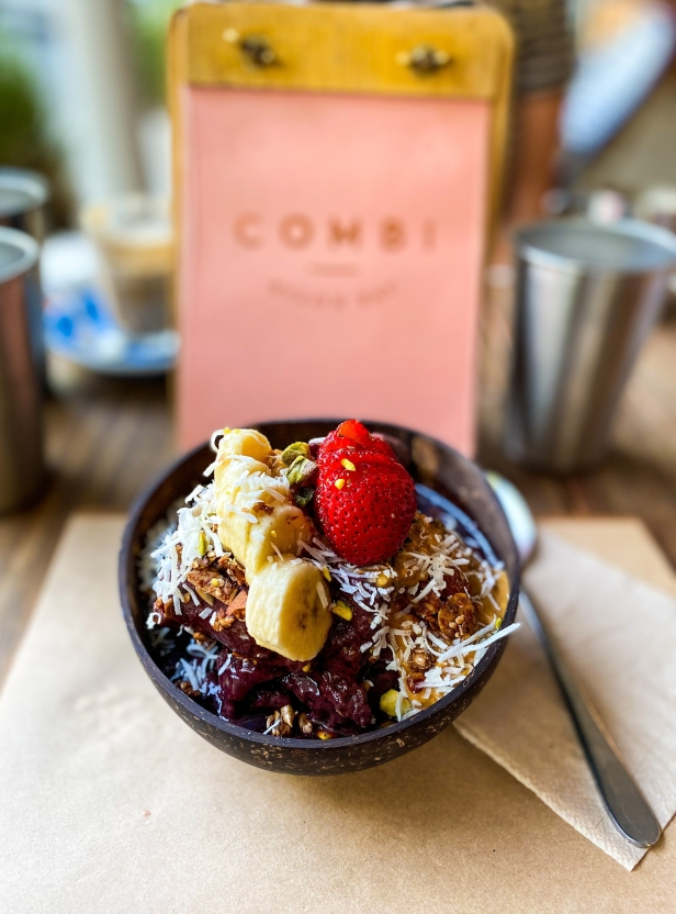 Combi acai bowls are a must have in Byron Bay.